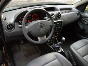 Renault Duster 2012 водительское место