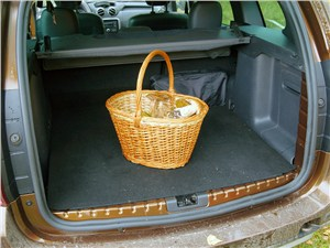 Renault Duster 2012 багажное отделение