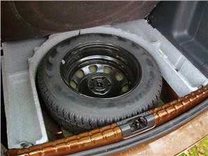 Renault Duster 2012 запасное колесо