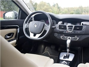 Renault Laguna Coupe 2007 водительское место