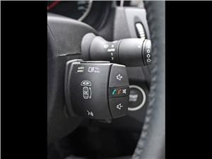 Renault Laguna Coupe 2007 пульт ДУ аудиосистемой