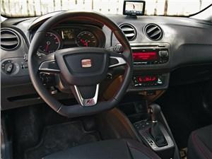 SEAT Ibiza FR водительское место