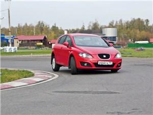SEAT Leon 1.4 2011 вид спереди