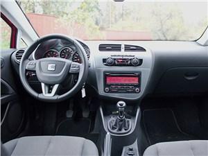SEAT Leon 1.4 2011 водительское место