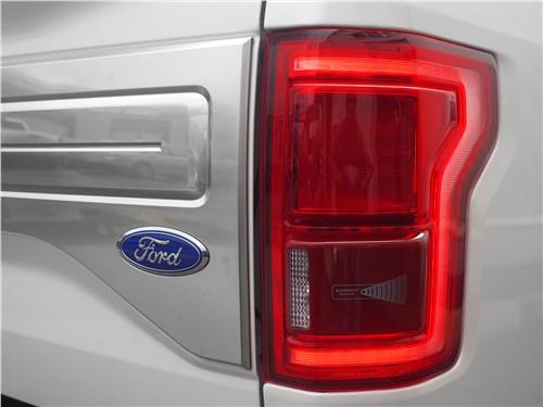 Предпросмотр ford f-150 2016 задний фонарь