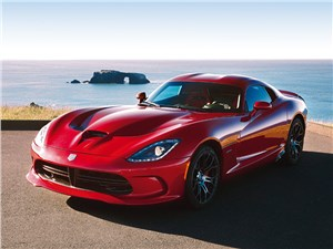 Chrysler SRT Viper GTS 2013 вид спереди