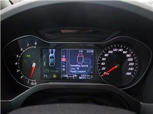 Предпросмотр ford s-max 2011 приборная панель