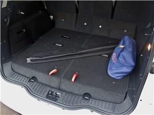 Ford S-Max 2011 багажное отделение