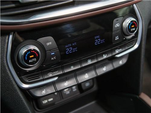 Hyundai Santa Fe 2019 управление климатом