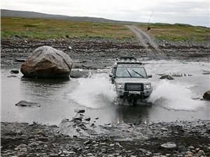 Land Rover Discovery 2013 вид спереди