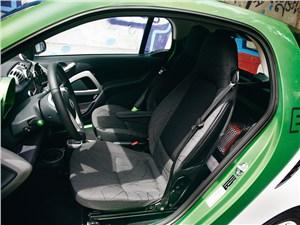 Smart fortwo ED coupe 2013 кресла водителя и пассажира