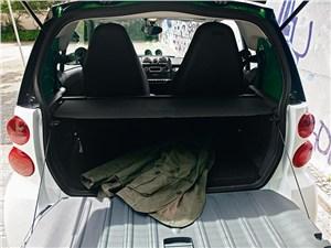 Smart fortwo ED coupe 2013 багажное отделение