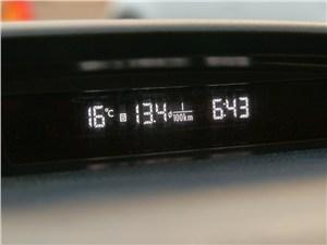 Subaru Forester S-edition 2011 дополнительный дисплей