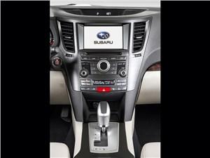 Subaru Outback 2014 центральная консоль