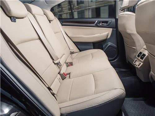 Subaru Legacy 2018 задний диван