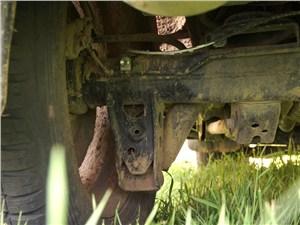 Предпросмотр toyota land cruiser 200 2012 кронштейн нижнего крепления задних амортизаторов
