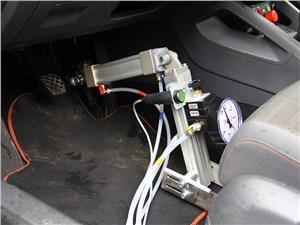 Для проверки компонентов компания TRW использует самые точные инструменты