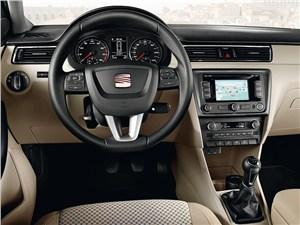 SEAT Toledo IV 2013 водительское место