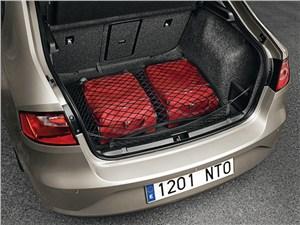 SEAT Toledo IV 2013 багажное отделение