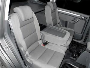 Volkswagen Touran 2011 задние креслак