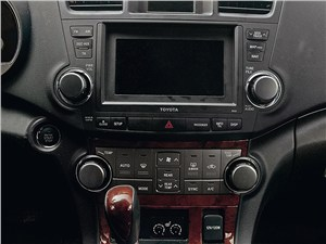 Предпросмотр toyota highlander 2011 панель управления