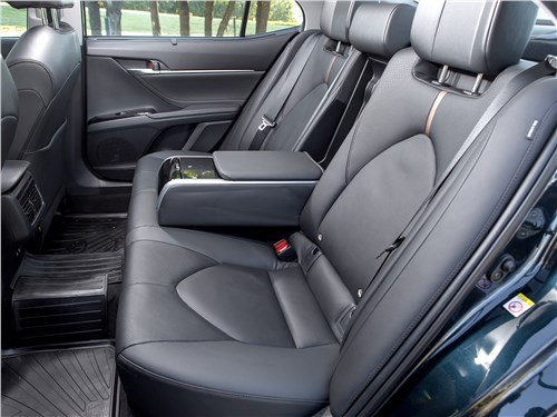 Toyota Camry 2018 задний диван