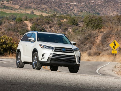 Toyota вывела на российский рынок новый Highlander
