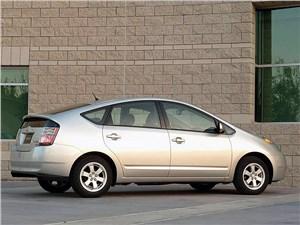 Предпросмотр toyota prius 2006 второе поколение автомобиля вид справа