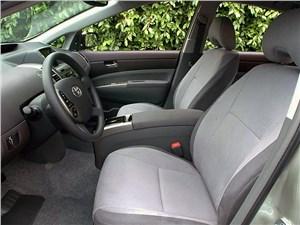 Предпросмотр toyota prius 2006 второе поколение автомобиля передние сиденья