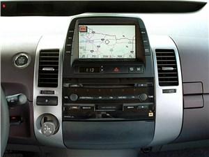 Предпросмотр toyota prius 2006 второе поколение автомобиля центральная часть торпедо