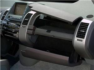 Предпросмотр toyota prius 2006 второе поколение автомобиля правая часть торпедо