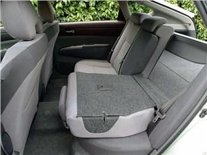 Предпросмотр toyota prius 2006 второе поколение автомобиля задний ряд сидений