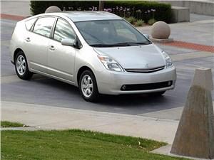 Предпросмотр toyota prius 2006 второе поколение автомобиля вид справа спереди