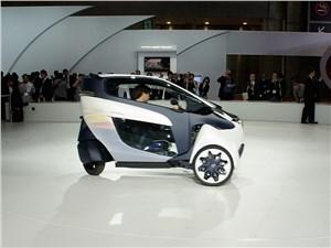 Предпросмотр toyota i-road concept 2013 вид сбоку