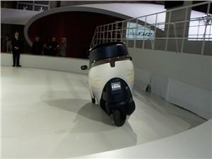 Предпросмотр toyota i-road concept 2013 вид сзади