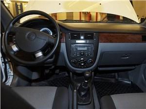 Daewoo Gentra 2013 водительское место