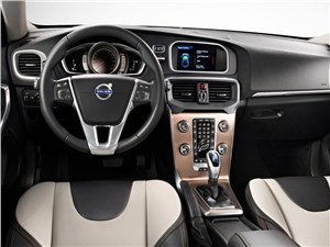 Ближе к родине V40 Cross Country - Volvo V40 Cross Country 2013 водительское место