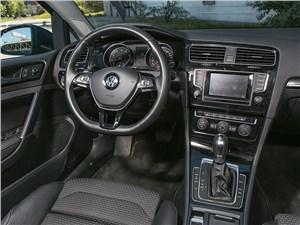 Volkswagen Golf 2013 водительское место