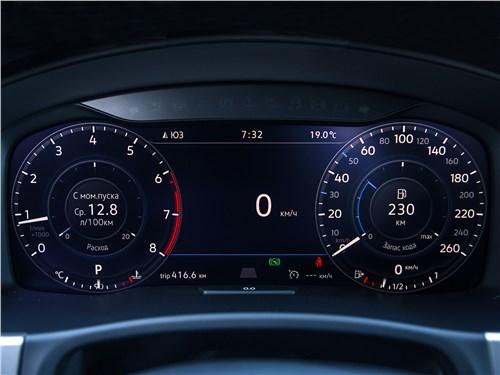 Volkswagen Teramont 2018 приборная панель