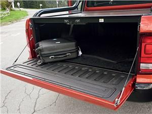 Volkswagen Amarok Canyon 2010 грузовой отсек