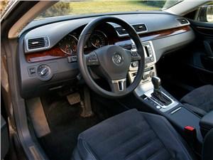 Volkswagen Passat CC 2013 водительское место
