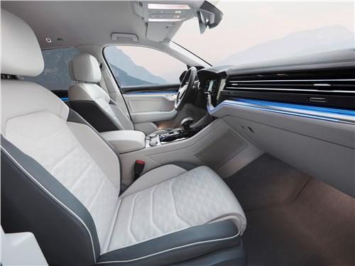 Volkswagen Touareg 2019 передние кресла