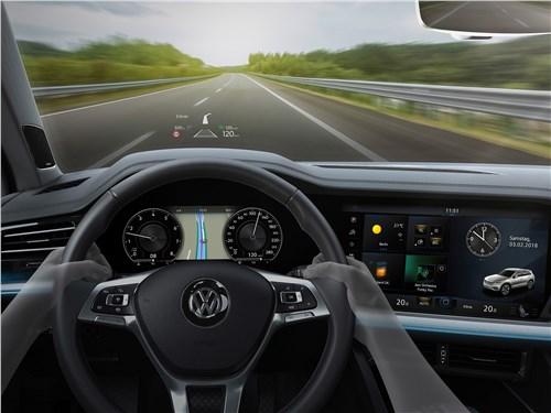 Volkswagen Touareg 2019 проекционный дисплей на лобовом стекле