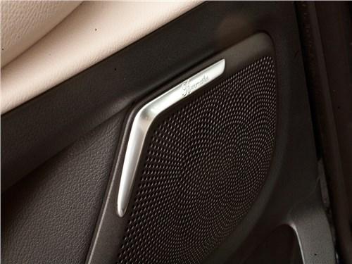 Mercedes-Benz V-Klasse 2014 акустическая система Burmester