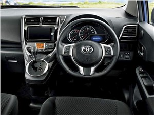 Toyota Verso-S - Toyota Verso-S 2015 водительское место
