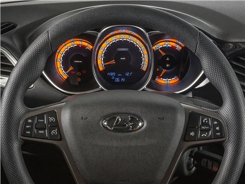 Lada Vesta Cross 2018 приборная панель