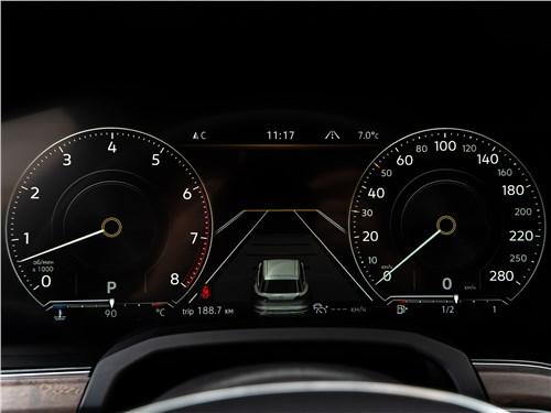 Volkswagen Touareg 2019 приборная панель