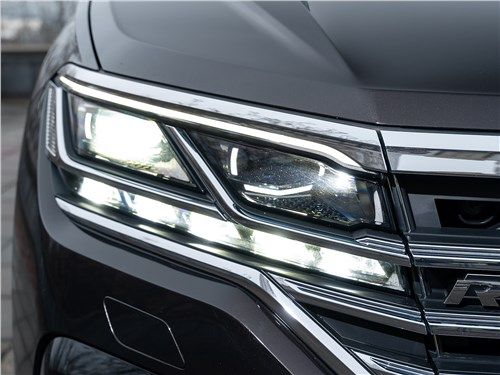 Volkswagen Touareg 2019 передняя фара