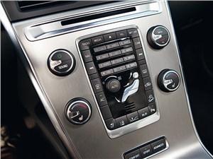 Volvo XC60 2012 центральная консоль
