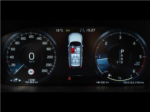 Volvo XC90 2015 приборная панель